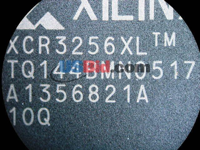 XCR3256XL-10TQ144Q photos