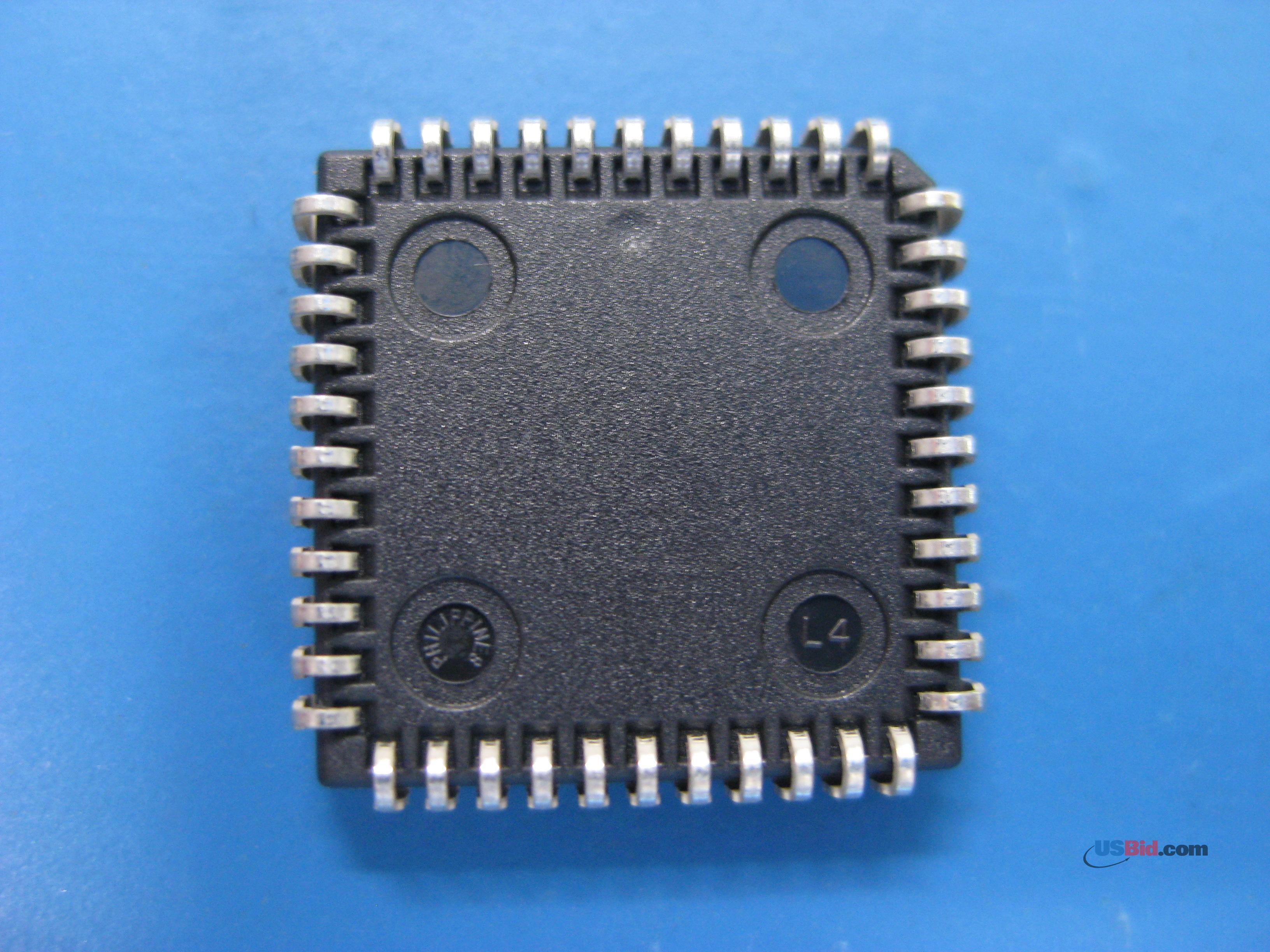 XCR3064XL-7PC44C