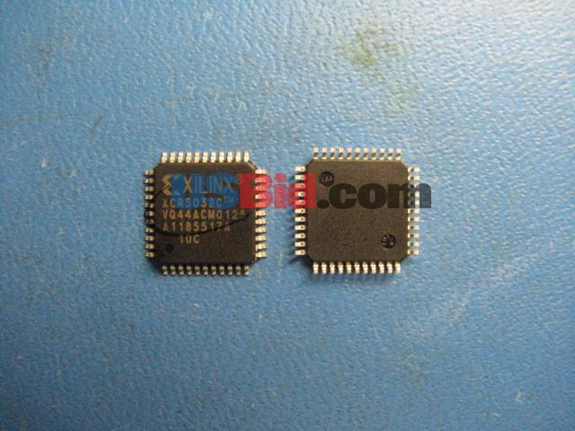 XCR5032C-10VQ44C photos
