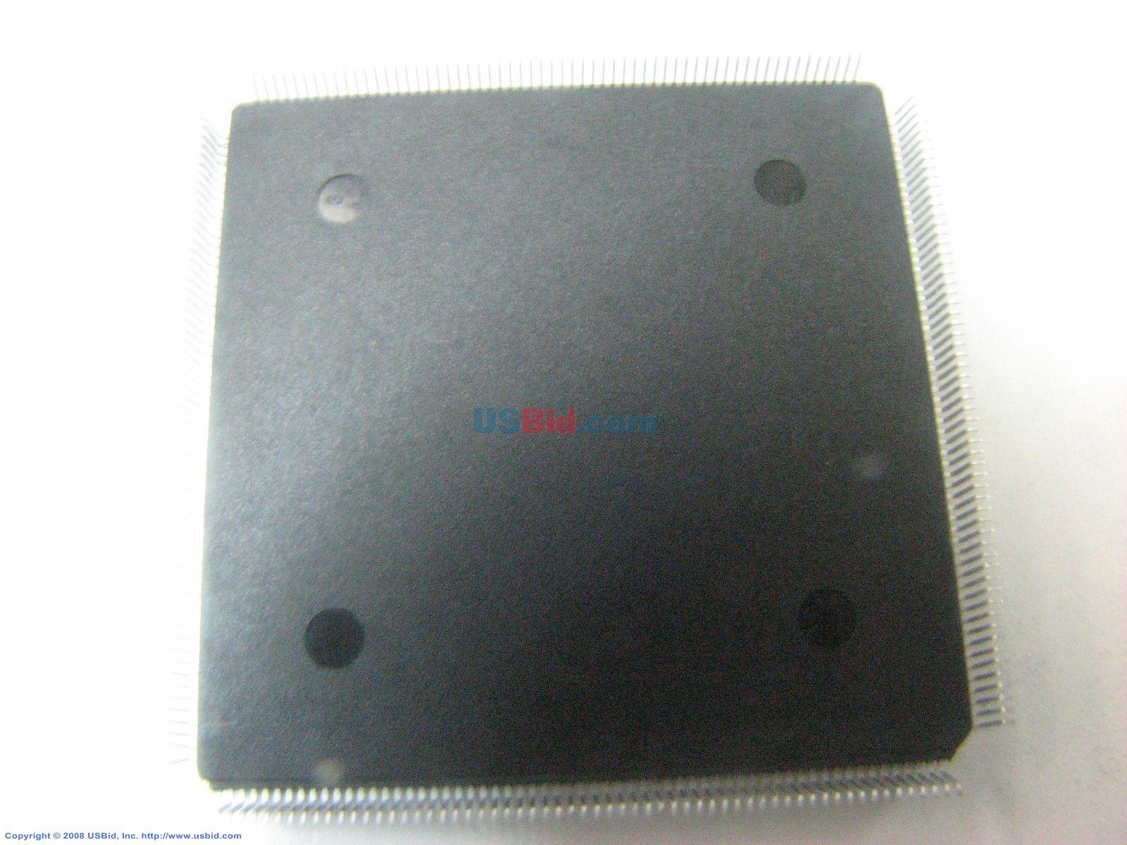 XCV100E-6PQ240C photos