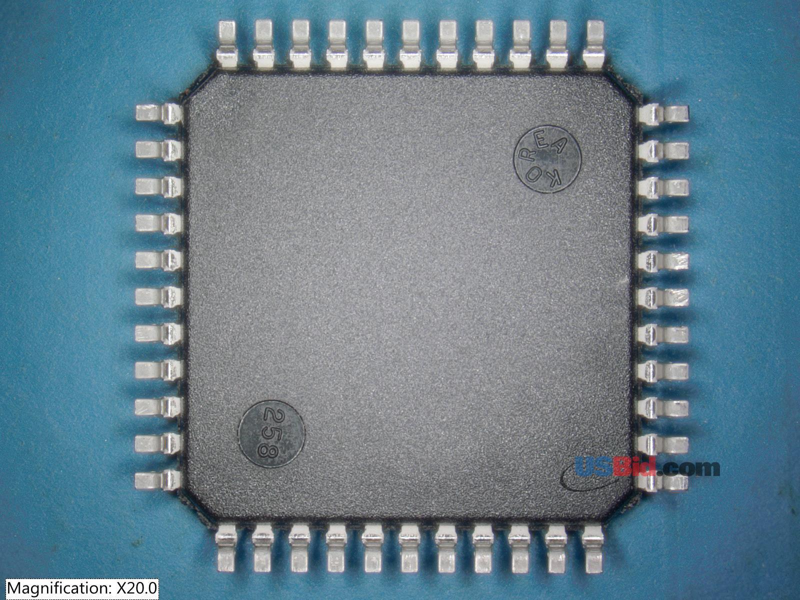 XCR3032XL-5VQ44C