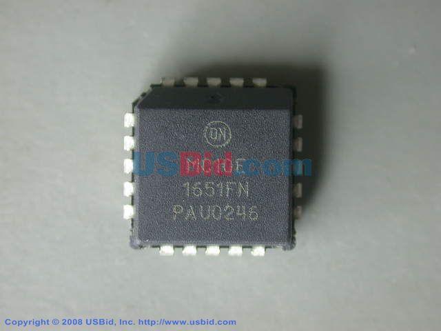 MC10E1651FNR2 photos