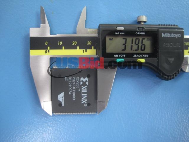 XCV200-4PQ240C photos